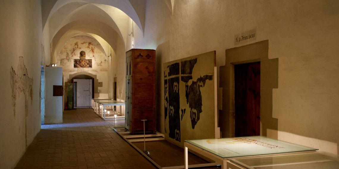 Enfermería y exposición «Petras Albas. El monasterio de Pedralbes y los Montcada (1326-1673)»