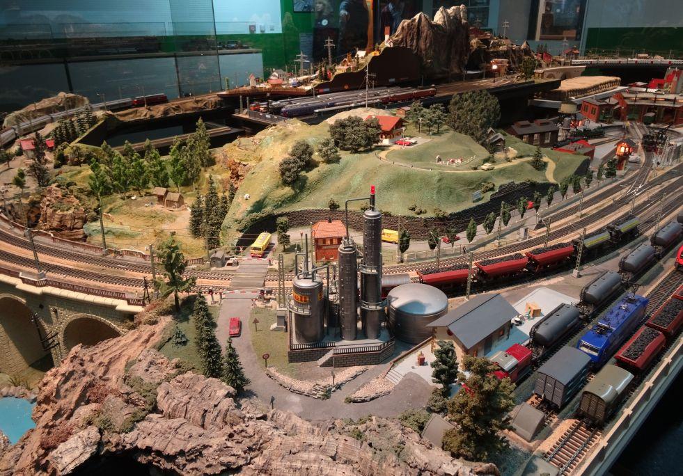 Les maquetes ferroviàries són una afició que atrau molts adults, com Andreu Costa Pedro. Foto: © MJC