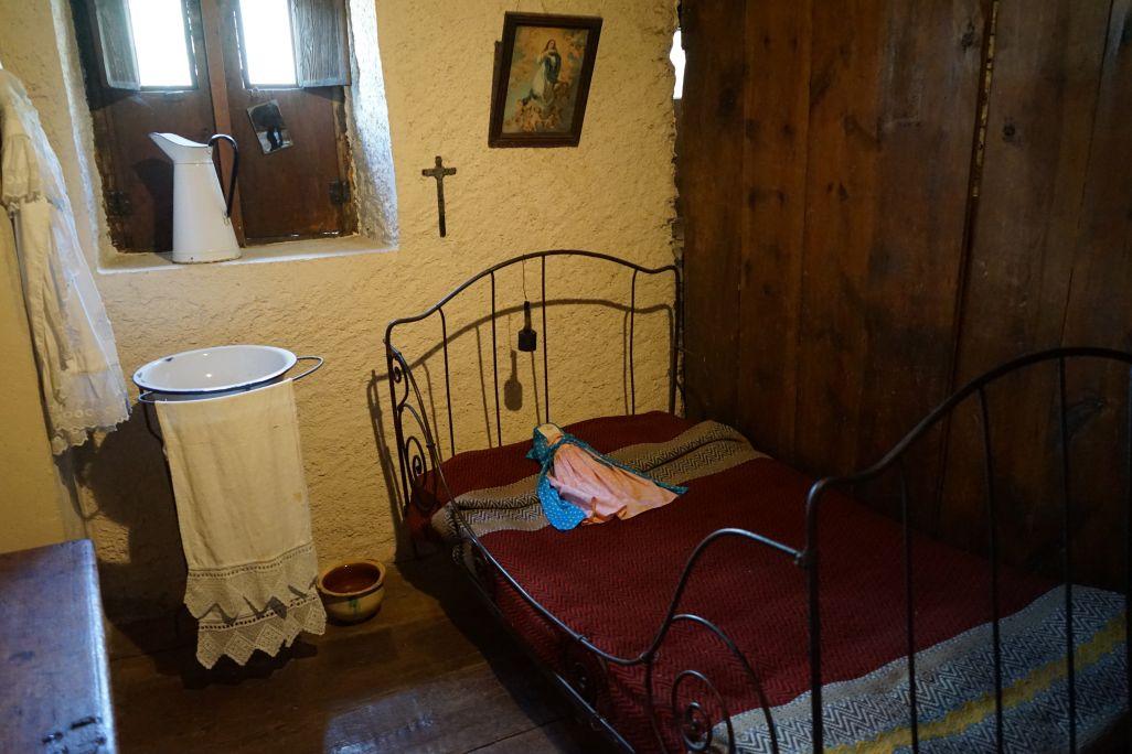 Abans era habitual que la canalla compartís habitació i llit.