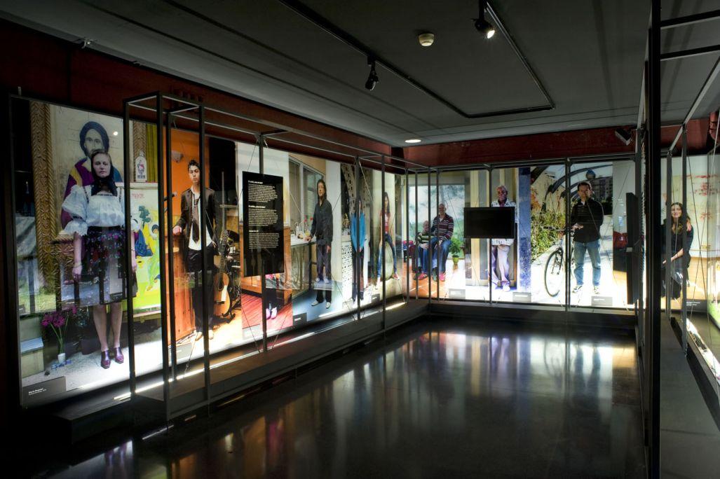 Catalunya.cat: Retrat de la Catalunya contemporània, 1980-2007. © de la fotografia: Museu d'Història de Catalunya (Pep Parer)