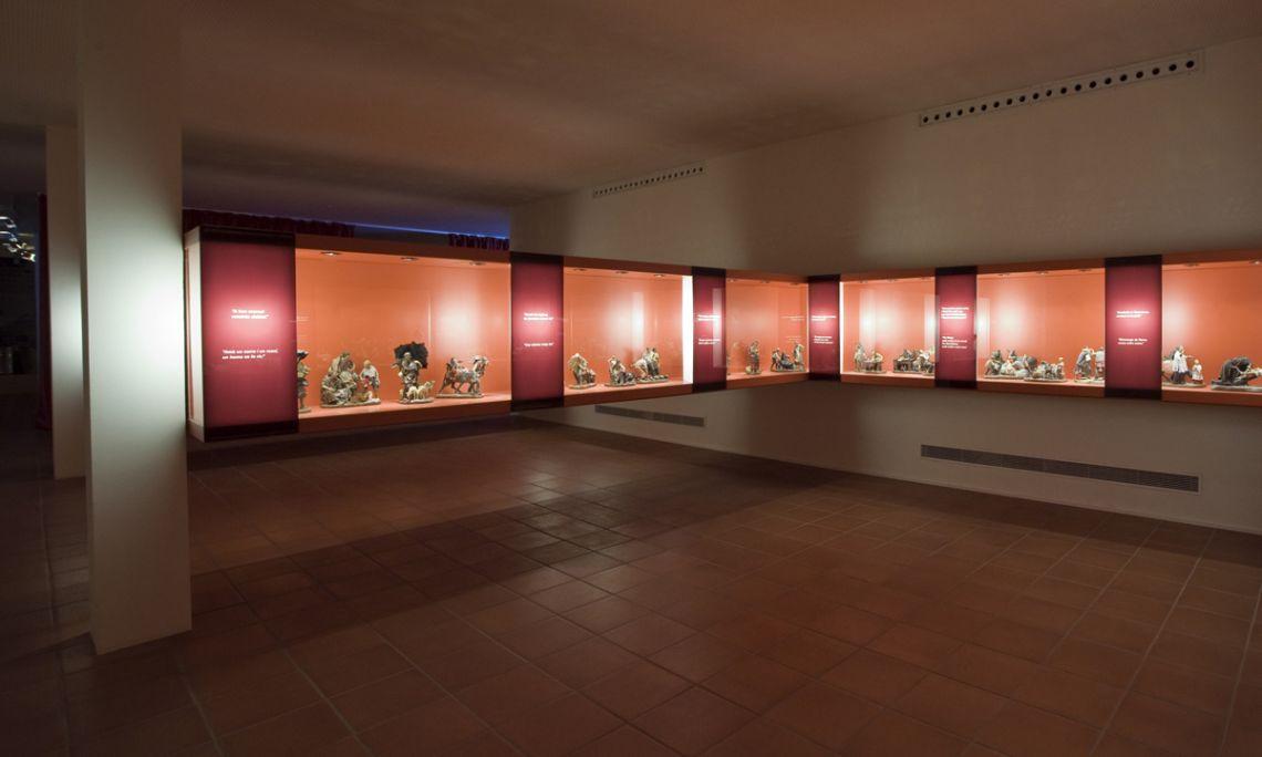 La Sala Traité mostra una col·lecció única d'etnografia rural, amb un total de 84 escultures.