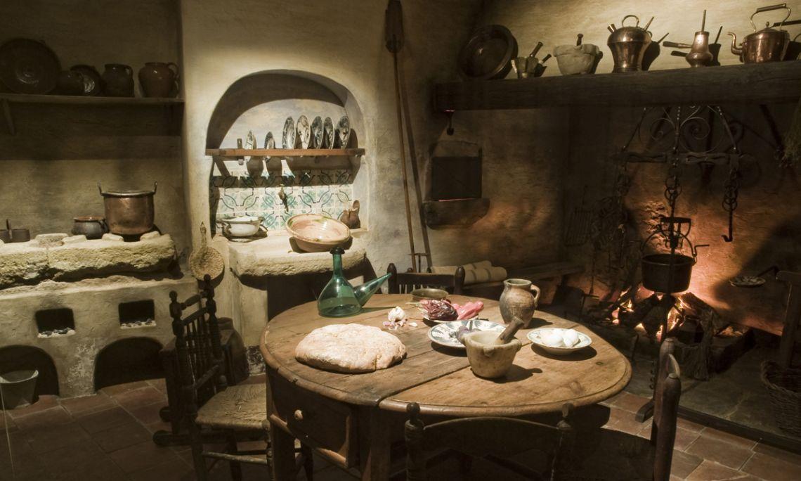 Una de les escenografies del museu: la cuina d'una casa pairal.