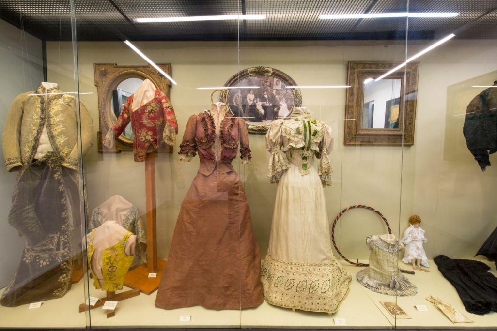 La importància del gènere de punt queda palesa a l'exposició d'indumentària tèxtil