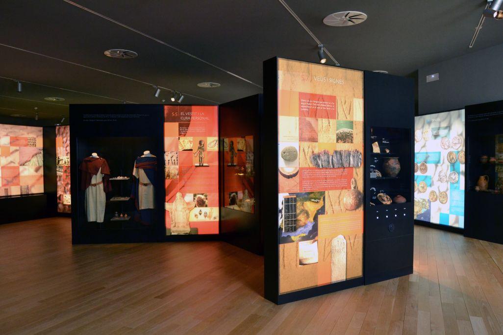 Visió de conjunt de la indumentària i l'escriptura ibèriques