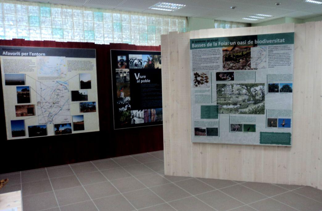 Aquesta exposició mostra la vida de Masdenverge en dues parts: la vida als masos i la vida al poble.