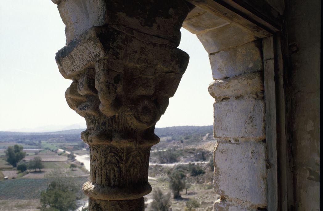 La tour fut construite au XIVe siècle dans un lieu stratégique.