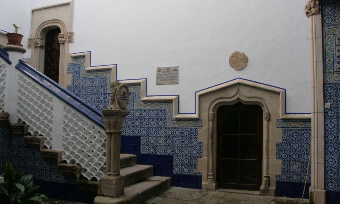 L'entrada al Palau de Maricel