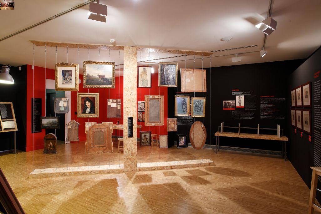 Exposition temporaire au premier étage. L'art et la guerre (2009-2011) Photo: Eusebi Escarpenter. Musée de Mataró