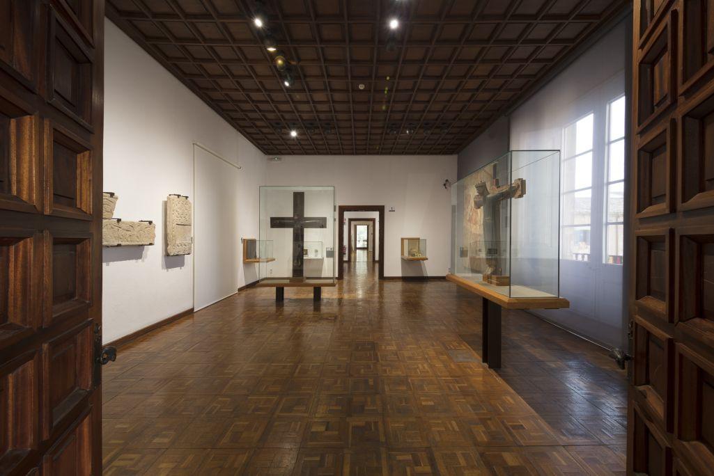 Salas 1 - 4. Prerrománico - románico.