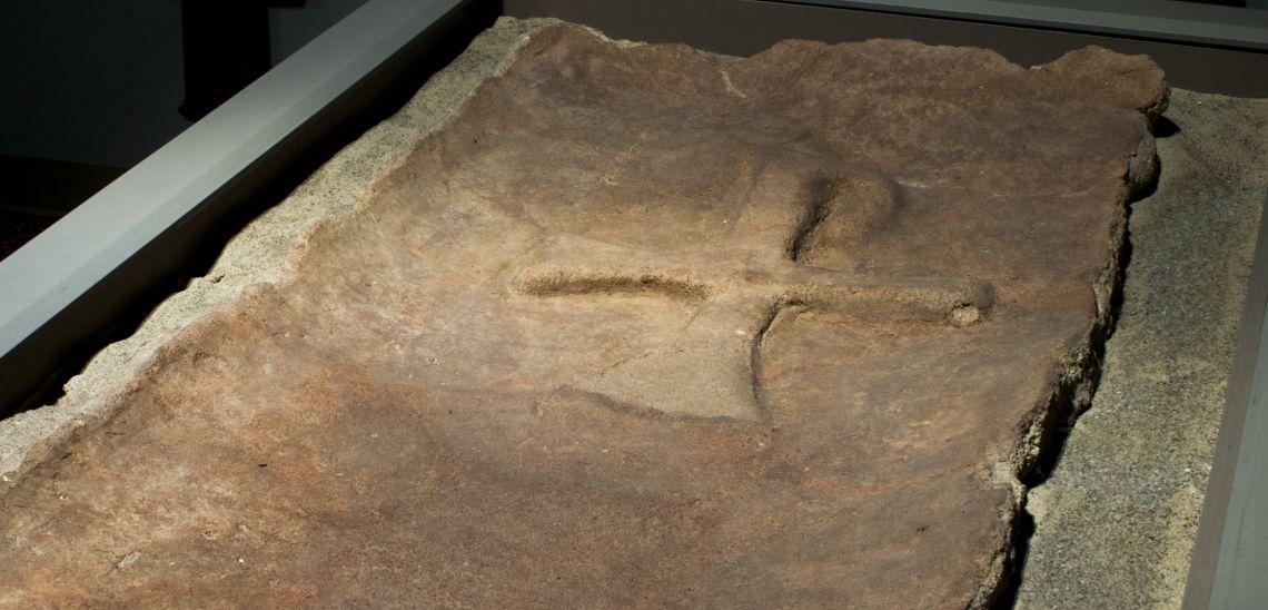 Photo of the Paleo-Christian Tombstone. Author:Ramon Manent