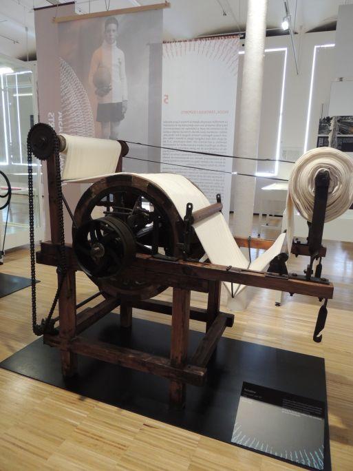 Perxa de cardots c.1905 Procedent de l'empresa La Cooperació fabril (Olot) Foto: Museu de Mataró