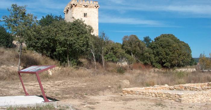 <p>Villa romana e torre dera Carrova, pla&ccedil;ada ena val der Ebre entre Amposta e Tortosa.</p>