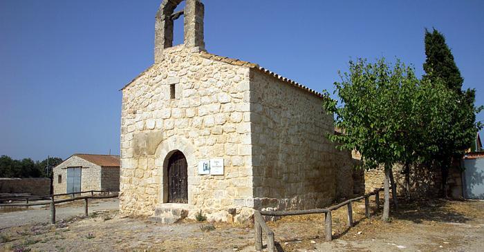 <p>Capilla del castillo de Cinclaus, convertida en ermita dedicada a santa Reparada, patrona de las aguas.</p>