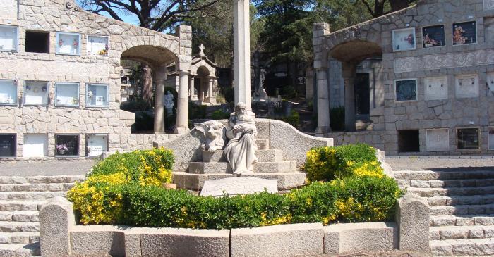 <p>Cementerio novecentista de Cardedeu</p>