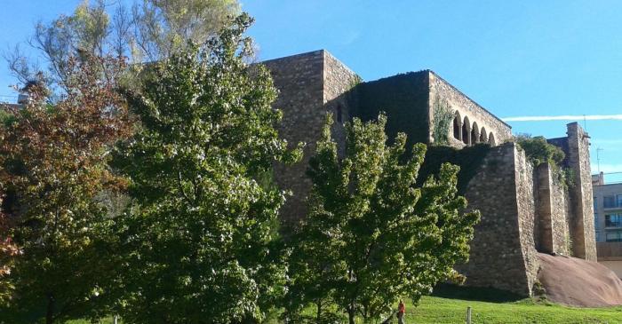 <p>Exterior del Castell Cartoixa de Vallparadís.<br />Foto: Museu de Terrassa</p>