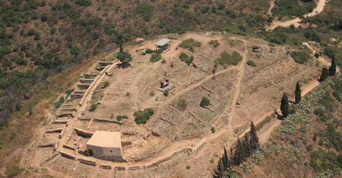 <p>Vista a&egrave;ria del poblat ib&egrave;ric Puig Castellar</p>