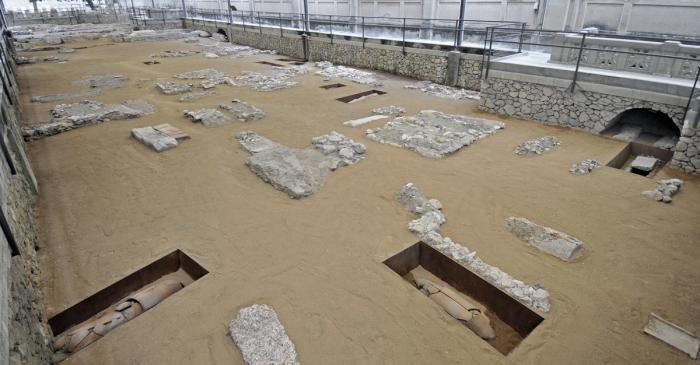 "<p><strong><span style=""font-weight: 400;"">Vista general de la necròpolis paleocristiana de Tarragona, conservada </span><em><span style=""font-weight: 400;"">in situ</span></em></strong>.</p>"