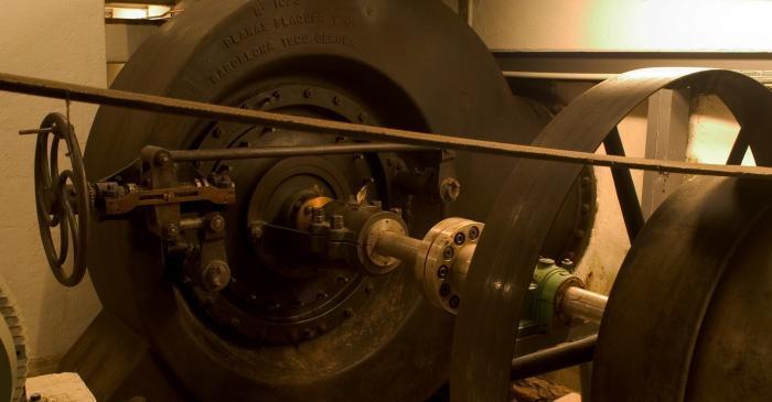 <p>La turbine Francis produit 90 CV. Le mot turbine vient du latin <em>turbo &ndash;inem</em>, qui signifie rotation. &copy;Pep Botey.</p>