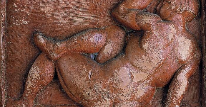 <p><em>Dona asseguda</em>, Manolo Hugu&eacute; Mart&iacute;nez, 1929-1930, relief in scraped terracotta, 16.5 &times; 25 cm</p>