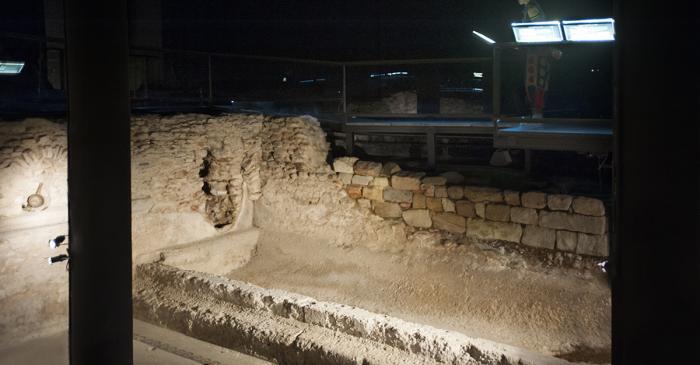 <p><em>Alveus</em> or warm-water pool conserved in the <em>caldarium</em> hall of the baths of Baetulo.&nbsp;Photo by Llu&iacute;s And&uacute;, Museum of Badalona.</p>