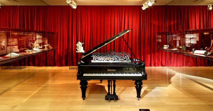 <p>Piano &agrave; queue Carl R&ouml;nisch (Dresde, Allemagne), vers 1905. &copy; Rafael Vargas</p>