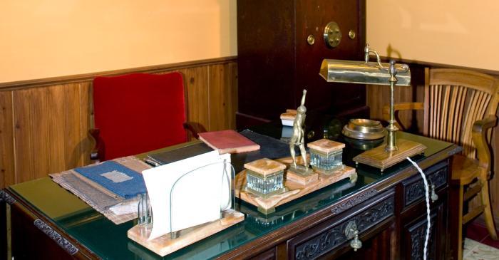 <p>Bureau du ma&icirc;tre de l&rsquo;exposition &laquo;&nbsp;L'usine textile&nbsp;&raquo;</p>