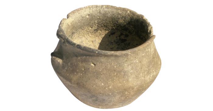 <p>Taza carenada hecha a mano del yacimiento prehist&oacute;rico de Auditori.</p>