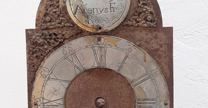 <p>Rellotge de la fam&iacute;lia Roca, Arenys de Munt. Museu d&rsquo;Arenys de Mar, n&uacute;m. de registre 2745. Fotografia d&rsquo;Irene Masriera.</p>