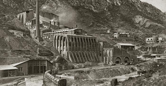<p>L&#39;usine de ciment Asland</p>