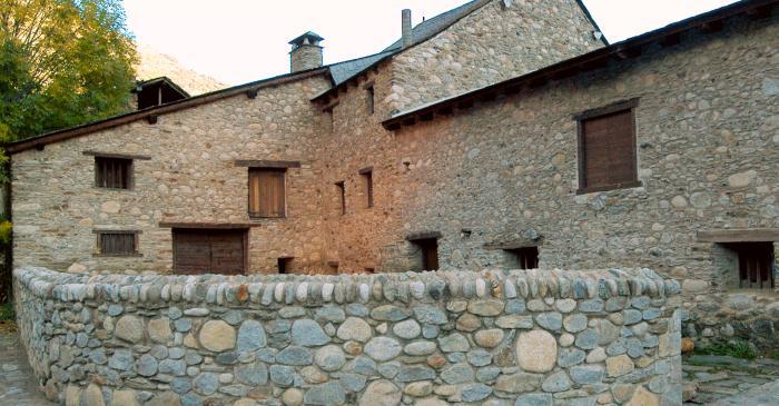 <p>Vista general de la fa&ccedil;ana de Casa Gassia.</p>