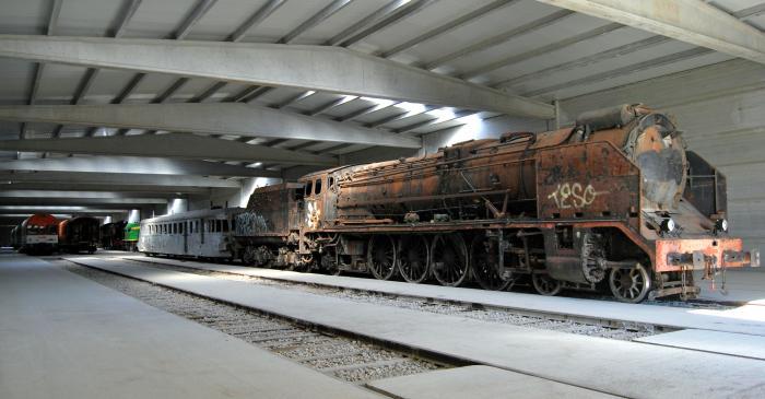 <p>La cotxera, amb m&eacute;s de 3.500 m<sup>2</sup>, &eacute;s un dels equipaments ferroviaris m&eacute;s grans en el seu g&egrave;nere.</p>