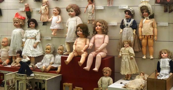 <p>Sovint l&rsquo;infant assimila el m&oacute;n de l&rsquo;adult amb joguets com els que podem trobar al museu. Foto &copy; MJC</p>