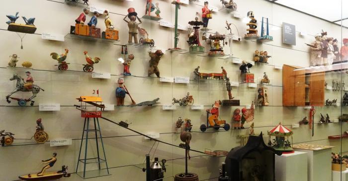 <p>L&rsquo;evoluci&oacute; del joguet va molt lligada al prove&iuml;ment de la mat&egrave;ria prima per a fabricar-los. Foto &copy; MJC</p>
