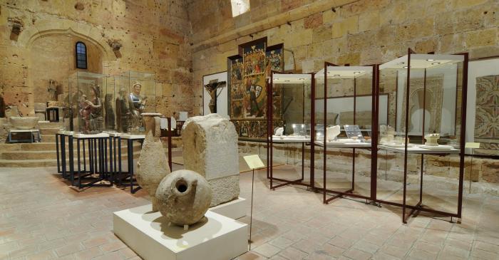 <p>La sala I del museu ocupa espais d&rsquo;&egrave;poca romana aprofitats en el segle XIII.</p>