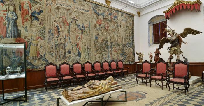 <p>La sala III del museu ocupa la sala capitular, on en ocasions solemnes prenen possessi&oacute; els capitulars.</p>