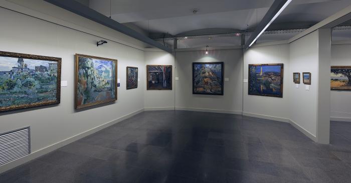 <p>Une des salles de peinture moderne.</p>