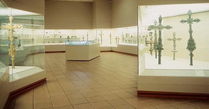<p>Sala d&rsquo;orfebreria i arts del metall del Museu Episcopal de Vic</p>