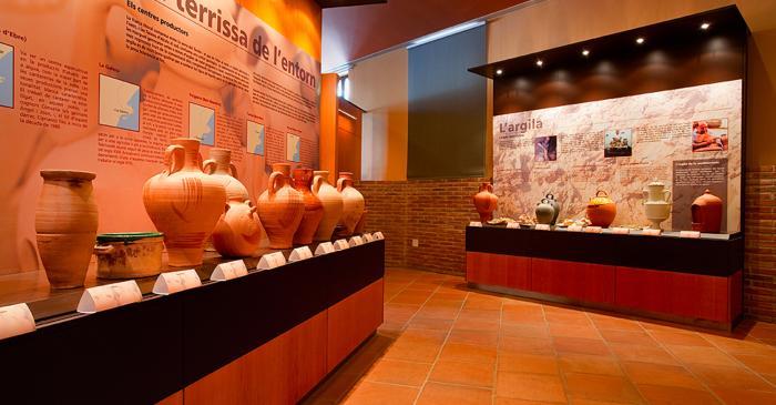 """<p><span style=""""font-weight: 400;"""">Soffite avec différents types d'argile et soffite des centres de poterie près de la Galera : Miravet, Tivenys, Traiguera, Benissanet, etc</span><span style=""""font-weight: 400;"""">.</span></p>"""