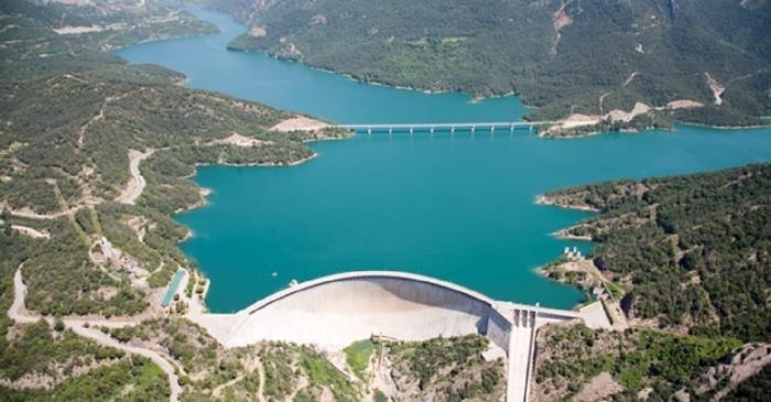 Vue générale du barrage de la Baells