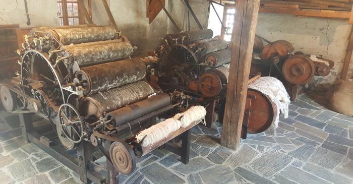 <p>Eth petit talh&egrave;r de sarralharia, pla&ccedil;at en aguest estatge, permetie d'apraiar era maquin&agrave;ria dera fabrica.</p>