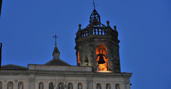 <p>Fotografia de la fa&ccedil;ana i el campanar. Autor: Ramon Manent</p>