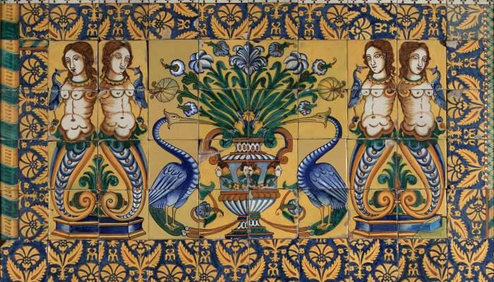 <p><em>Plaf&oacute; de les Sirenes (60 rajoles)</em>, 1630. Pisa, 14 x 14 cm (u.). Esgl&eacute;sia parroquial de Sant Mart&iacute; de Llaneres, La Bisbal d&#39;Empord&agrave;. Museu d&#39;Art de Girona - Fons Bisbat de Girona.</p>