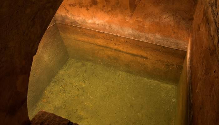 <p>Restes del micv&eacute;, bany ritual de l&rsquo;&uacute;ltima sinagoga de Girona. Segle XV</p>