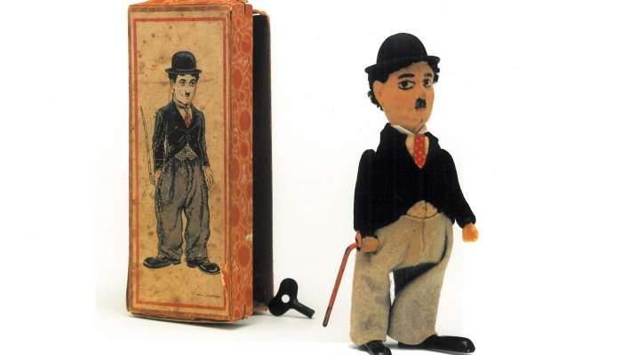 <p>Xarlot de Schuco, personatge interpretat a la pantalla per Chaplin, funciona a corda. Foto &copy; Jordi Puig</p>
