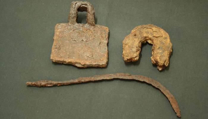 <p>Eines agr&iacute;coles medievals recuperades en diferents jaciments de les Terres de l&rsquo;Ebre.</p>