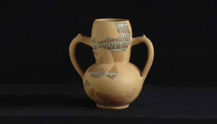 <p>Jarrita procedente del yacimiento arqueol&oacute;gico del Pla d&rsquo;Almat&agrave;, primera mitad del siglo XI.</p>