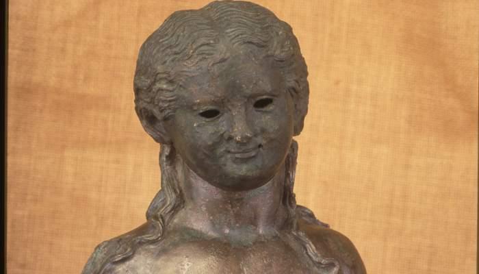 <p>Detail of the Roman candelabrum of La Llosa</p>