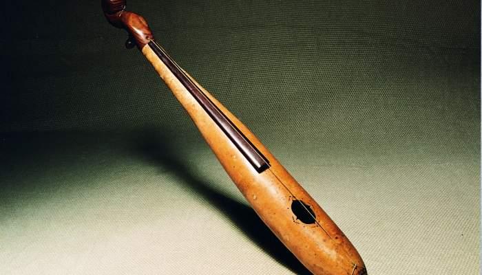 <p><em>La Carabasseta</em>, a toy instrument made of a dried gourd, 1885.</p>