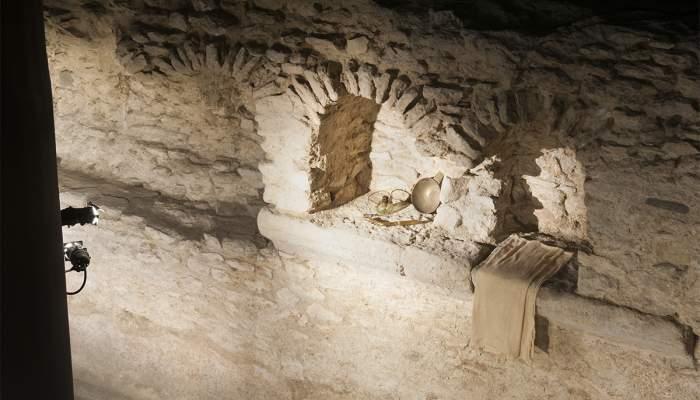 <p>Taquillas adosadas a las paredes del <em>tepidarium</em> donde los usuarios pod&iacute;an dejar sus objetos personales. Fotograf&iacute;a de Llu&iacute;s And&uacute;, Museo de Badalona.</p>