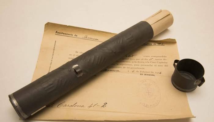 <p>Les rouleaux porte-documents militaires &eacute;taient un objet important dans la carri&egrave;re des soldats aux XIX<sup>e</sup> et XX<sup>e</sup> si&egrave;cles.</p>